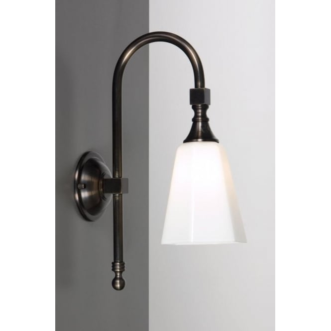 Antwerp Collection BATH CLASSIC traditional IP44 aged brass bathroom wall light