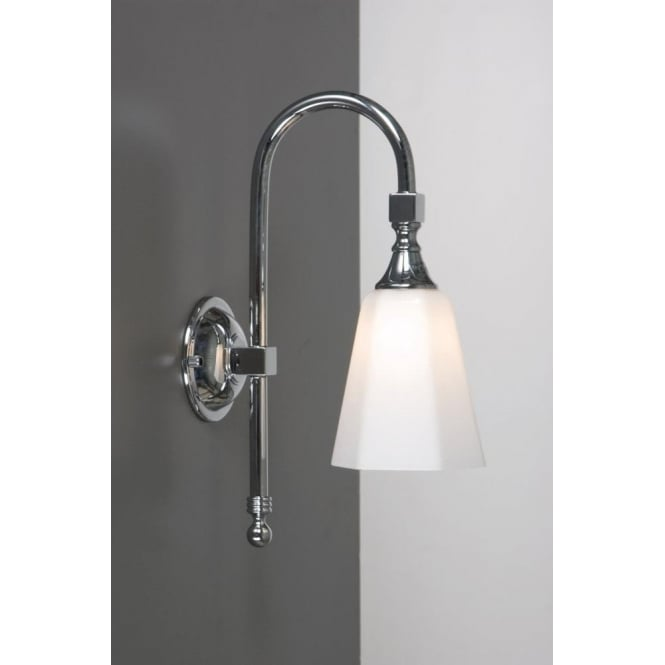 Traditional Old Fashioned Victorian Style Bathroom Wall Light, IP44