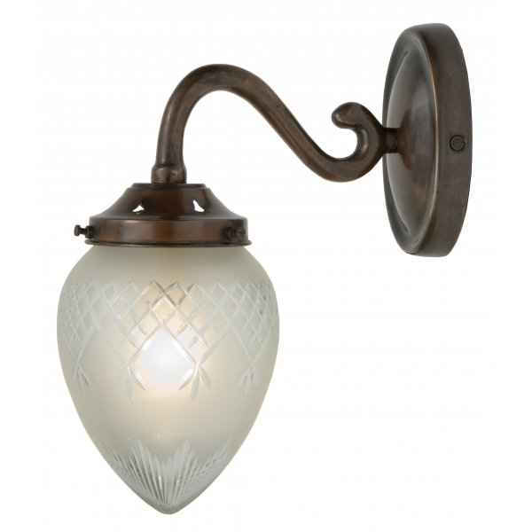 Antique Finish Traditional Wall Light With Etched