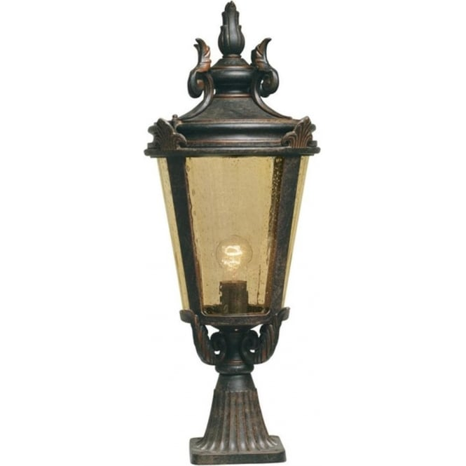 Chester Collection BALTIMORE traditional bronze finish pedestal post light (large)