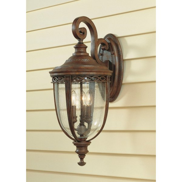 Large Bronze Outdoor Wall Light In Traditional Period Styling Ip44